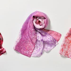 植物絞染絲巾(左)