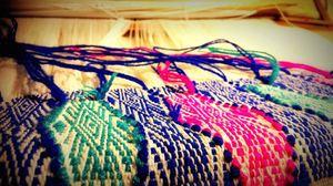 作品三:如樹皮斑剝 作品說明:透過夾織呈現織紋豐富的自然意象。