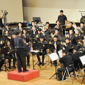 聲子集樂管樂團